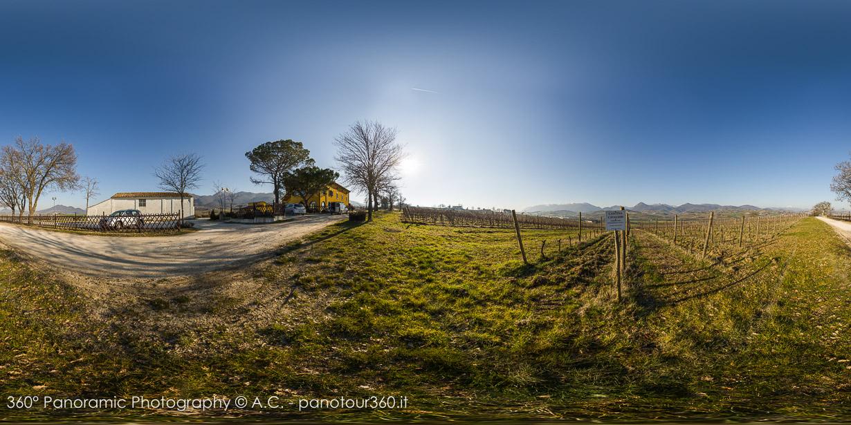 Country House Salomone - Clicca sull'immagine per vedere il Virtual Tour panoramico a 360°